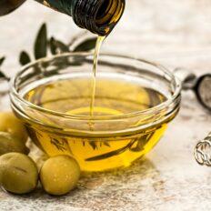 Maitse-oliiviõli trühvliga