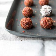 Tooršokolaadi trühvlid goji marjaga
