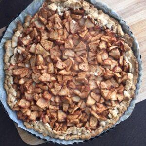 Gluteeni- ja suhkruvaba õuna- purutaigna kook