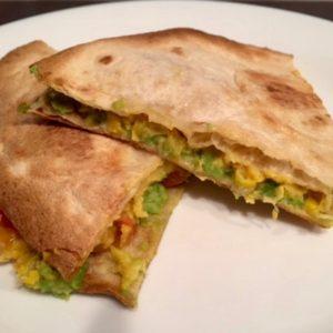 Tortillad avokaado ja vegan maisijuustuga