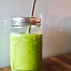 Roheline detox smuuti